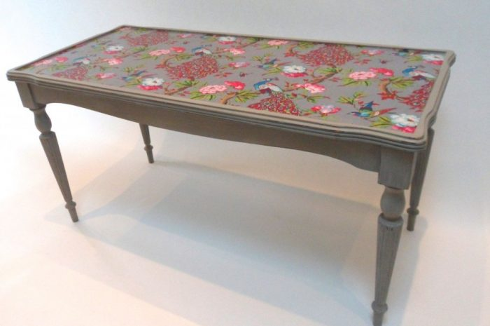 Декор стола — подготовка поверхности стола, выбор технологии декорирования. Особенности использования материалов для декора стола (фото + видео)